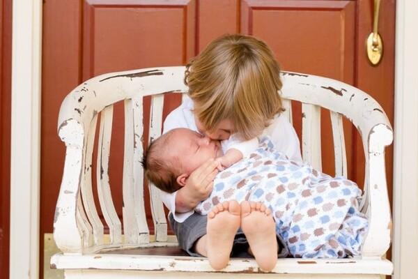 MATIČNA KNJIGA ROĐENIH: U Novom Sadu upisano 175 beba