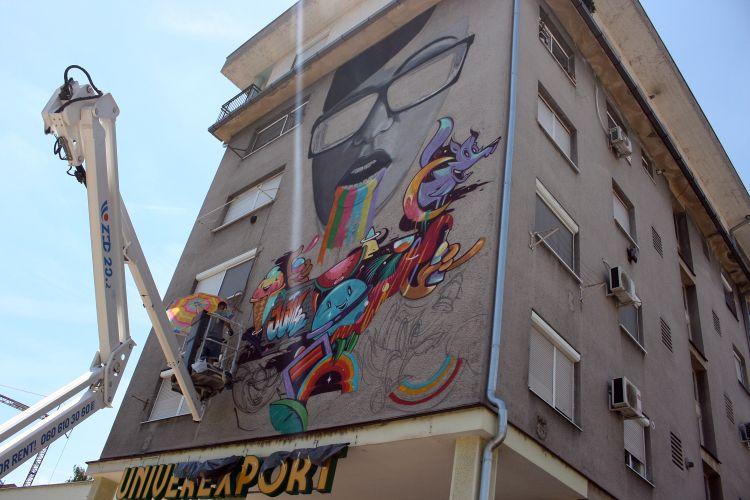 foto novi mural osvanuo u ulici laze nan i a vesti