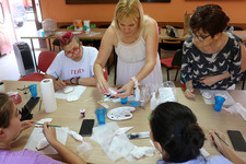 Dekorisanje medenjaka kao umetnost i humanitarni rad (FOTO)