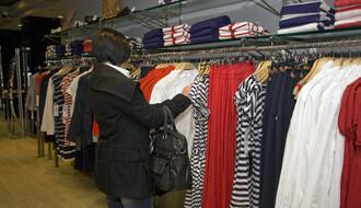 STRUČNJACI UPOZORAVAJU: Obavezno operite garderobu nakon kupovine