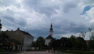 Vreme danas: Promenljivo oblačno i svežije, mestimično kiša, najviša dnevna u NS oko 25°C