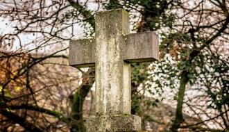 Naslednicima poznatih pisaca stigli računi za grobna mesta