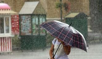 RHMZ UPOZORAVA: Stižu obilni pljuskovi praćeni grmljavinom i olujnim vetrom