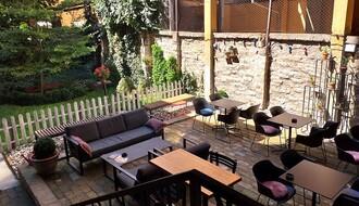 NAŠ IZBOR: Novosadski kafići sa skrivenim baštama (FOTO)