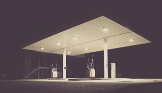 Maloletnik uz pretnju nožem oduzeo novac od radnika na benzinskoj pumpi
