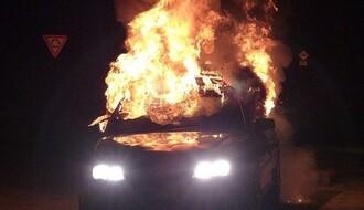 Crni BMW novopazarskih tablica izgoreo u petak ujutru na Limanu