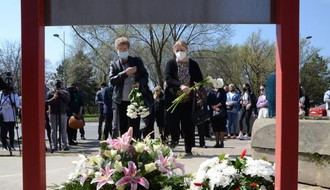 """GODIŠNJICA POŽARA U """"KONTRASTU"""": Na mestu tragedije nići će memorijalni Park mladosti (FOTO)"""