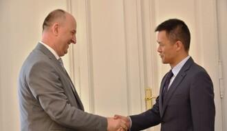 SKUPŠTINA GRADA: Kineskom zvaničniku predstavljeni ekonomski potencijali Novog Sada