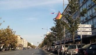 FOTO: Zastave Nemačke vijore se na Bulevaru Mihajla Pupina