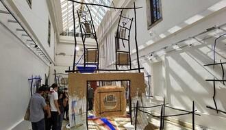"""FOTO: Izložba """"Kretanje prostora"""" otvorena u atrijumu Muzeja Grada na Tvrđavi"""