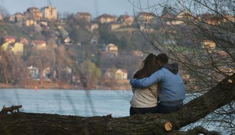 ROMANTIČNA VEČERA ILI PIVO SA EKIPOM: Kako Novosađani obeležavaju Dan zaljubljenih