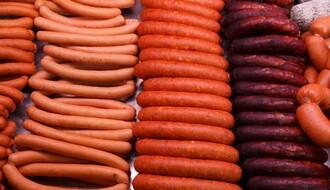 """KATASTROFA: Šta sve prodavci """"trpaju"""" u meso"""