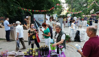 FOTO I VIDEO: Počeo festival vina Interfest koji se ove godine održava na Ribarcu