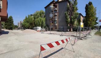 ISTRAŽILI SMO: Kako je moguće da gradilište onemogući pristup ulici Stevana Doronjskog? (FOTO)