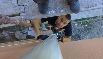 NOVOSAĐANI: Urbani alpinista koji želi da postane vatrogasac