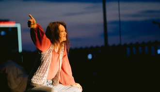 "FOTO: Novosadska publika otkrila ""Ko je ubio Dženis Džoplin"""