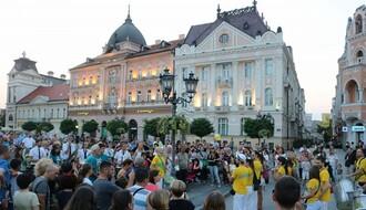 Povorkom s Trga slobode počeo Festival uličnih svirača (FOTO)