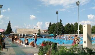 """Produžena sezona kupanja u SC """"Sajmište"""", otvoreni bazen na Spensu prestaje s radom"""