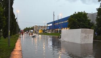 Novosadske ulice pod vodom: Dežurne ekipe na terenu (FOTO)