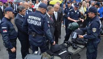 """FOTO: """"Policajac u zajednici"""" na Trgu slobode"""