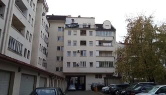 Radnik pao na automobil s petog sprata zgrade u Lovćenskoj ulici (FOTO)