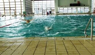 Trening vaterpolista ukida smene na bazenu