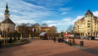 Trg republike: Gift, JeuNS i Čičini čvorci na dnevnoj novogodišnjoj žurci