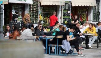 GRADSKI ŠTAB: Ograničen broj ljudi u prodavnicama i ugostiteljskim objektima (FOTO)