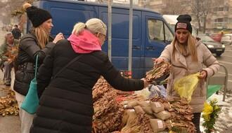 Podela besplatnih badnjaka u nedelju na Trgu republike