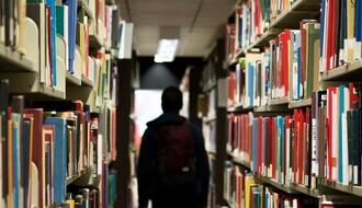 Ministarstvo preporučuje da se udžbenici za peti i prvi razred još ne kupuju