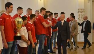 FOTO: Šampioni Srbije u odbojci na prijemu u Gradskoj kući