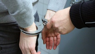 """NOVI SAD: Uhapšen policajac zbog """"Sređivanja dokumenata"""""""