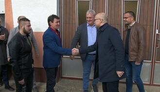 Vučević i Nedimović s Koviljčanima i Kaćanima razgovarali o komasaciji, penzijama, elektrifikaciji salaša... (FOTO)