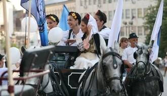 """Sutra počinje """"Tamburica fest 2021"""", promenada fijakera kreće od hotela """"Novi Sad"""""""