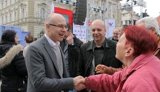 Vučević se obratio pristalicama naprednjaka ispred gradskog odbora stranke