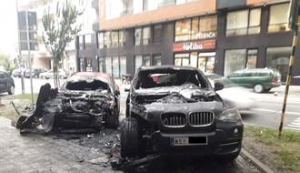 FOTO: Dva automobila izgorela noćas u Stražilovskoj ulici