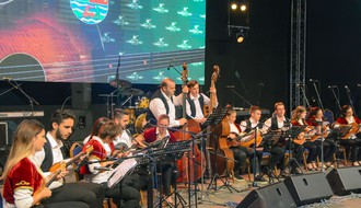 "Tamburaški orkestri i zvezde estrade na ovogodišnjem ""Tamburica festu"""