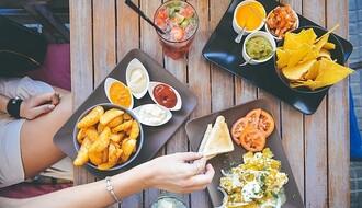 Izbegavajte ovih 6 namirnica ako želite da sprečite trovanje hranom