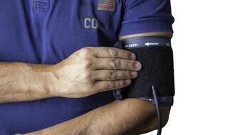 """ŠKOLA """"7. APRIL"""": Novosađanima besplatno merenje krvnog pritiska i šećera u krvi"""