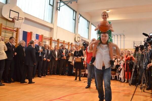 Nele asistirao za prvi koš: Mališani u Bukovcu dobili igralište