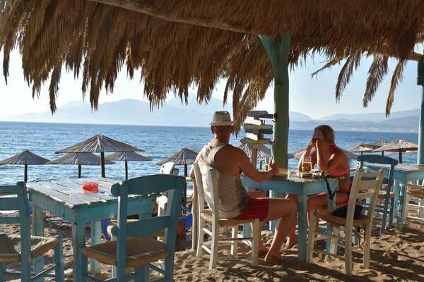 U Grčkoj se širi delta soj, najavljene i restrikcije