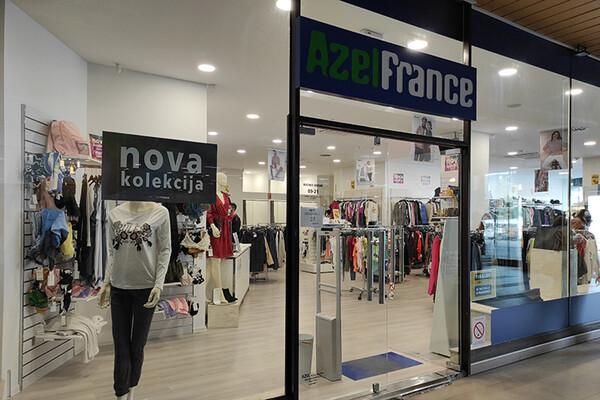 """AZEL FRANCE"": Evo koliko košta garderoba u ovom autletu (FOTO)"