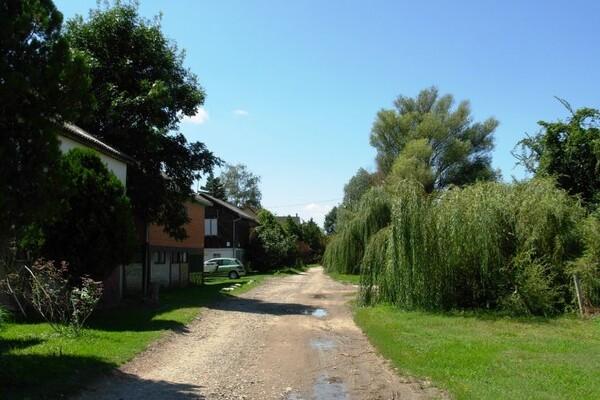 Vikendice u okolini NS: Leti raj, a zimi briga više