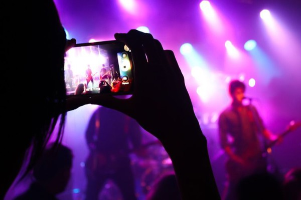 Vlada predložila da se noćnim klubovima i barovima dodeli bespovratna pomoć