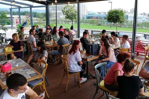 PROMENADA: Restorani sa odličnom hranom i pogledom (FOTO)