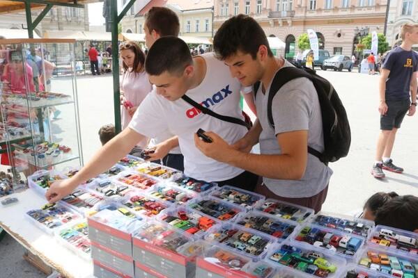 Sajam automobilčića: Od fiće i juga do skupocenog rimca (FOTO)