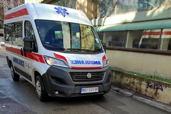 Muškarac teško povređen u saobraćajnoj nesreći na Rimskim šančevima