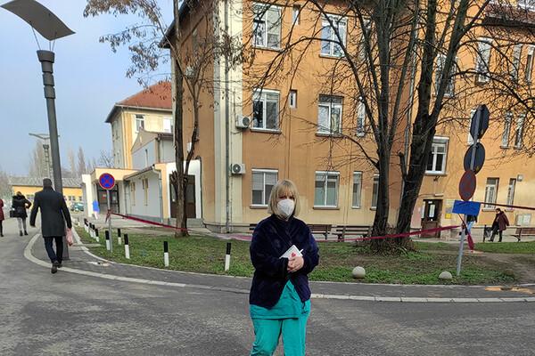 U KCV-u povećan, a na Institutu u Kamenici smanjen broj pacijenata na lečenju od kovida