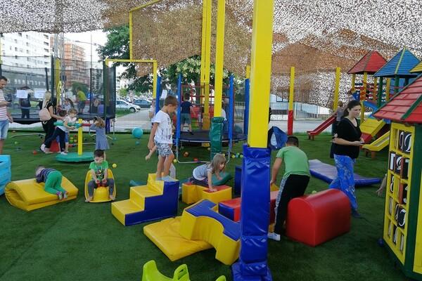 Na Bulevaru Evrope otvorena nova igraonica za decu (FOTO)